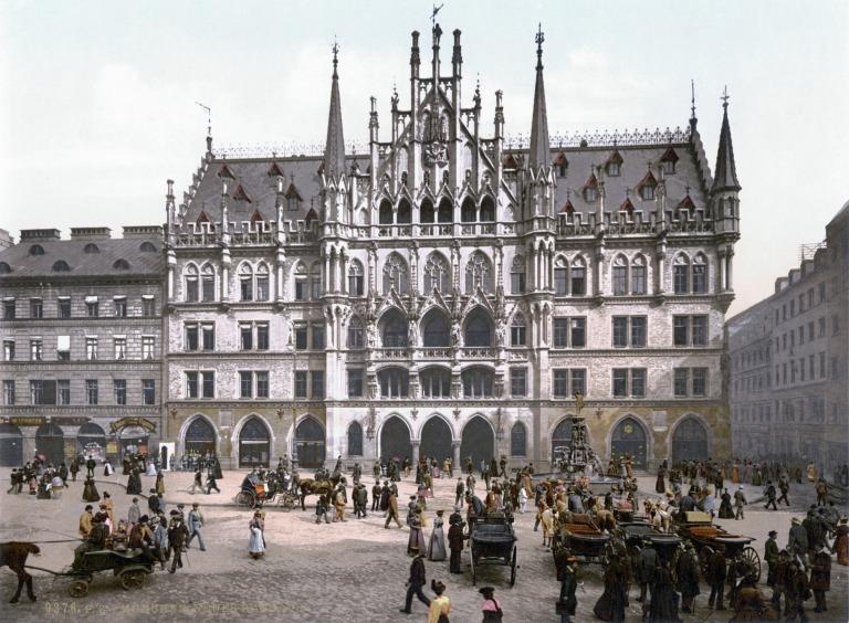 Neues_Rathaus_Muenchen_1900.jpg